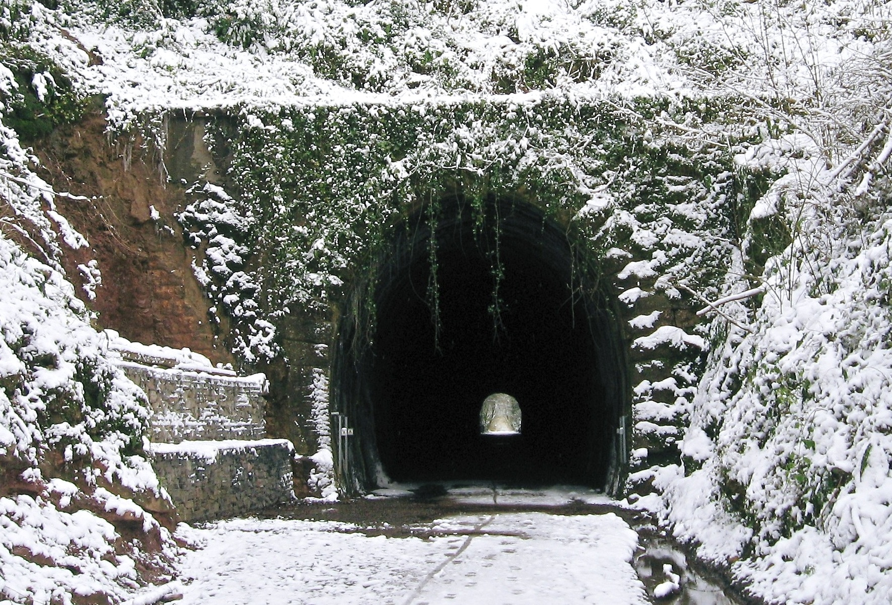 The Shute Shelve Tunnel in the depths of winter